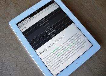 Die mobile Navigation aufgeklappt auf dem iPad